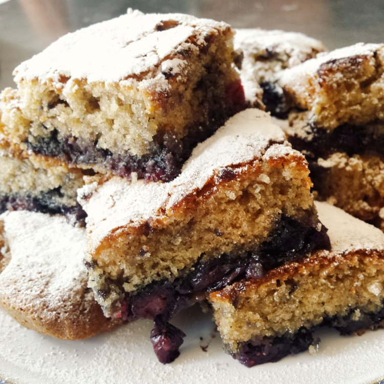 Blueberry Muffin Traybake