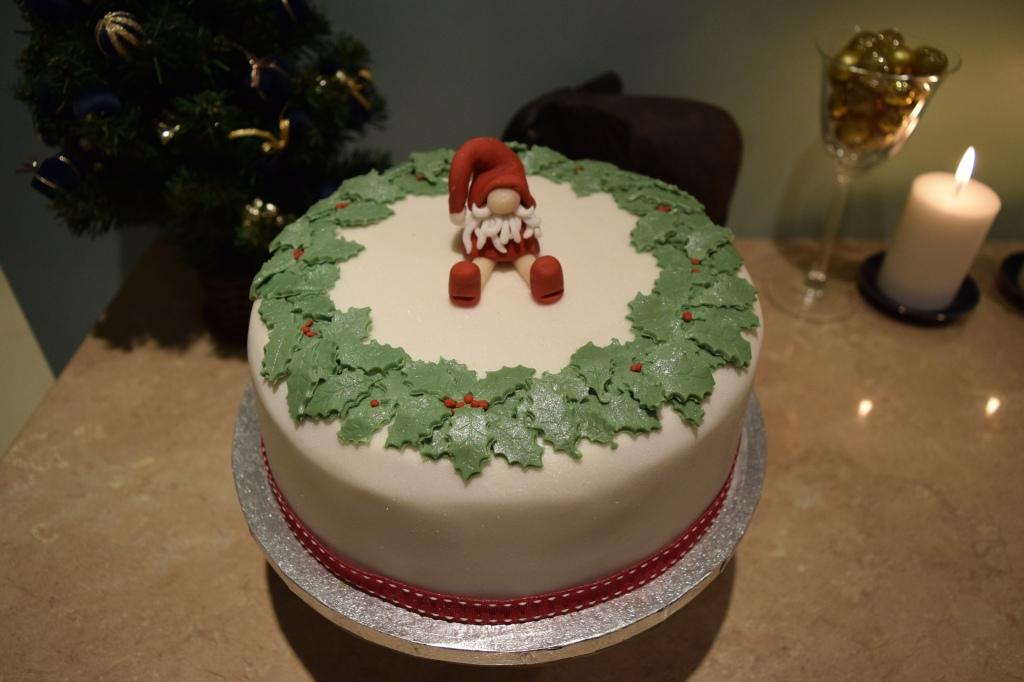 Christmas Cake Decoration 2015.1