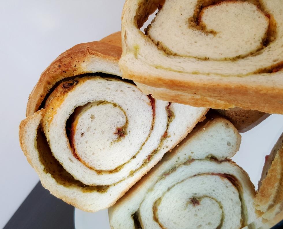 chorizo_pesto_bread