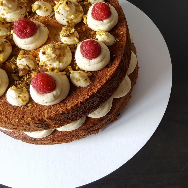 raspberry-pistachio-cake