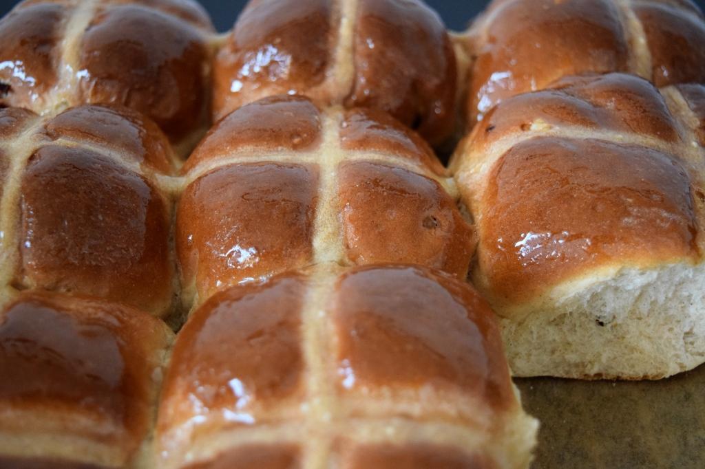easter-hot-cross-buns