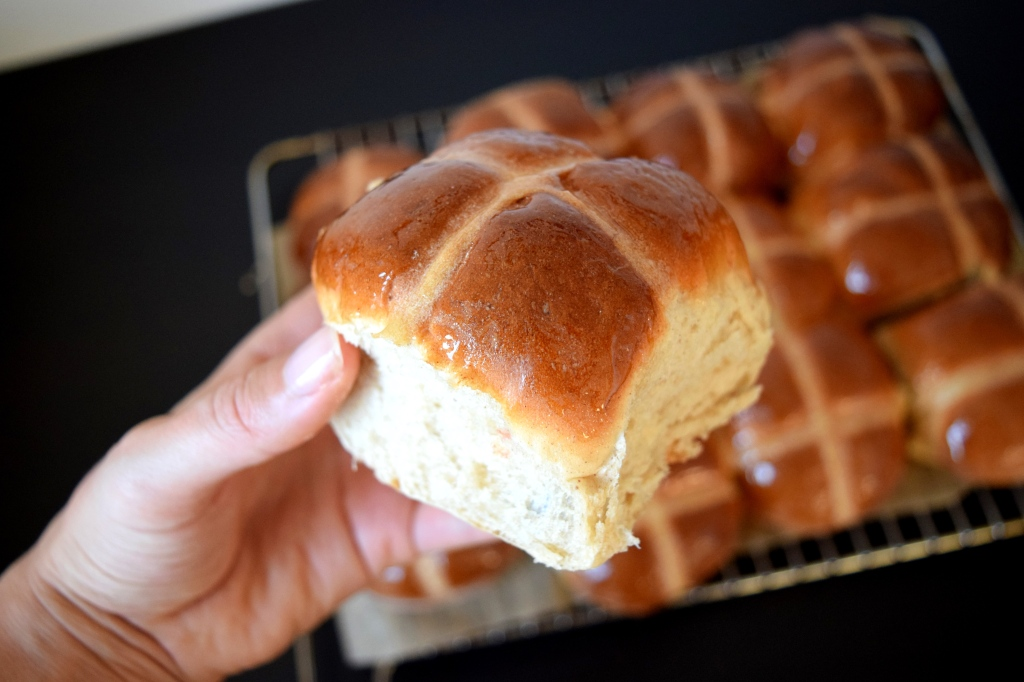 easter-hot-cross-buns