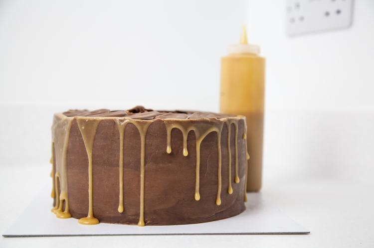 Salted-Caramel-Cream-Cheese-Cake